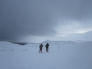 Lørdagens skitur bød på skiftende vær (Foto: Vigdis Thoengen)