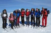 Fornøyde damer på vårskitur. Fra venstre Kirsti, Nina, Ragnhild, Kristin A, Lind