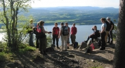 På toppen av Mørkgonga kunne vi skue utover Steinsfjorden. Foto: Nina Didriksen