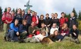 LT på tur. Her er søndagens glade vandrere på Kamphaug. Bak fra venstre: Mette,